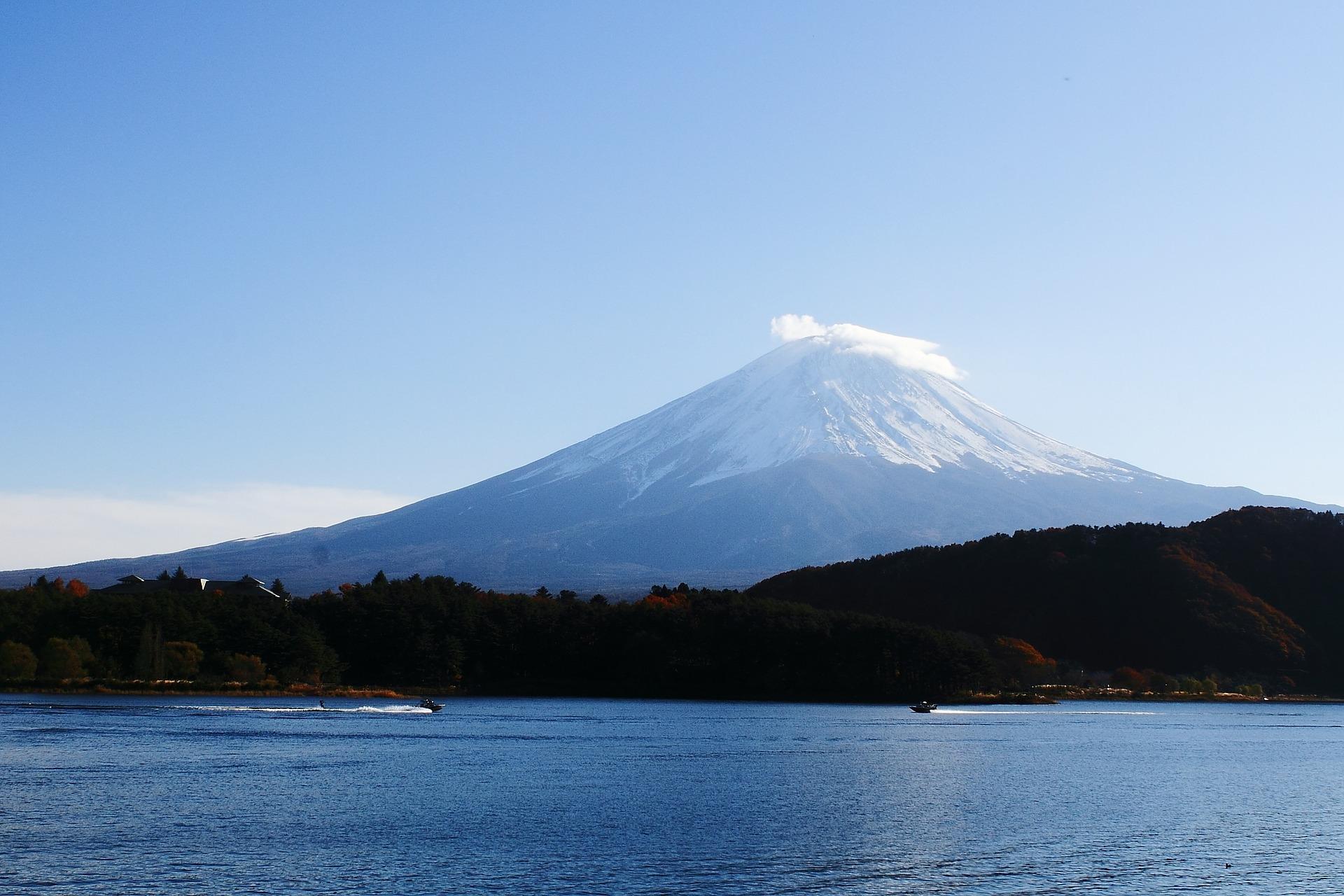 登山未経験の富士山登山、初心者がツアーなしで挑戦した体験談を紹介