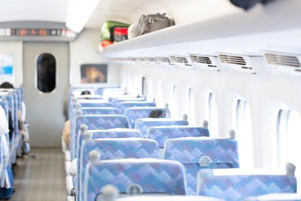 新幹線にある多目的室で授乳はできる?部屋の広さや使用料金は?
